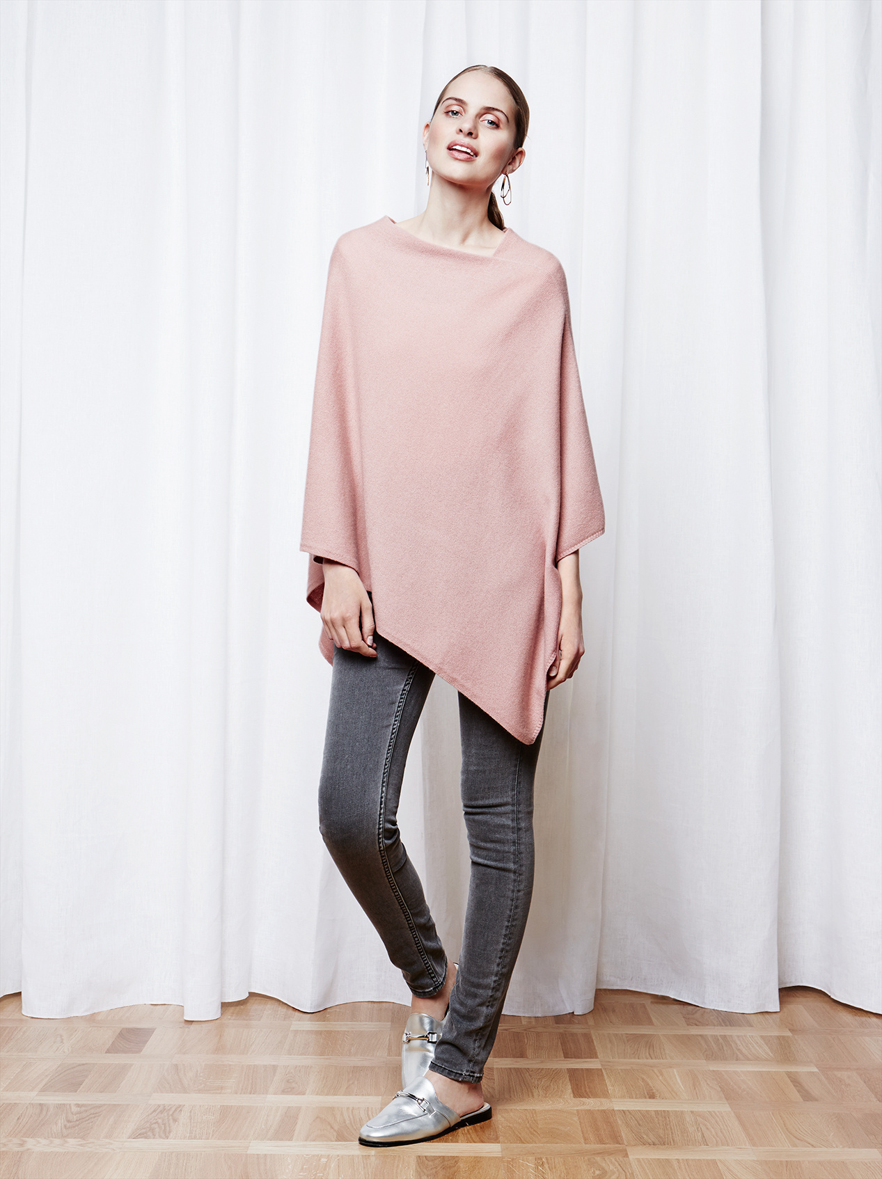 Soft Goat Women's Plain Poncho Blush