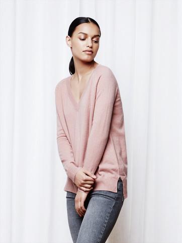 Product thumbnail of Women's Oversize V-neck