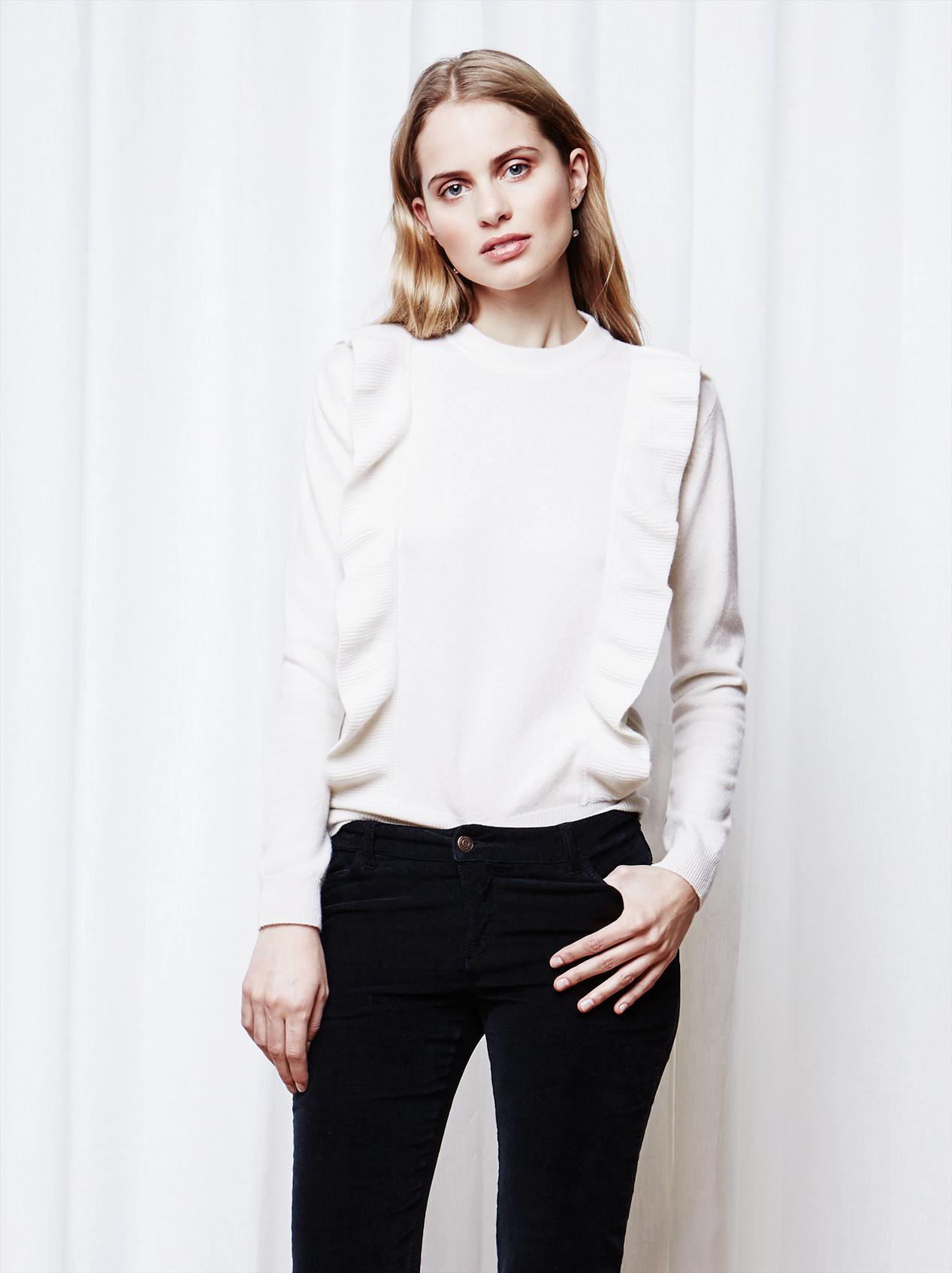 Soft Goat Women's Ruffle Sweater Krämvit