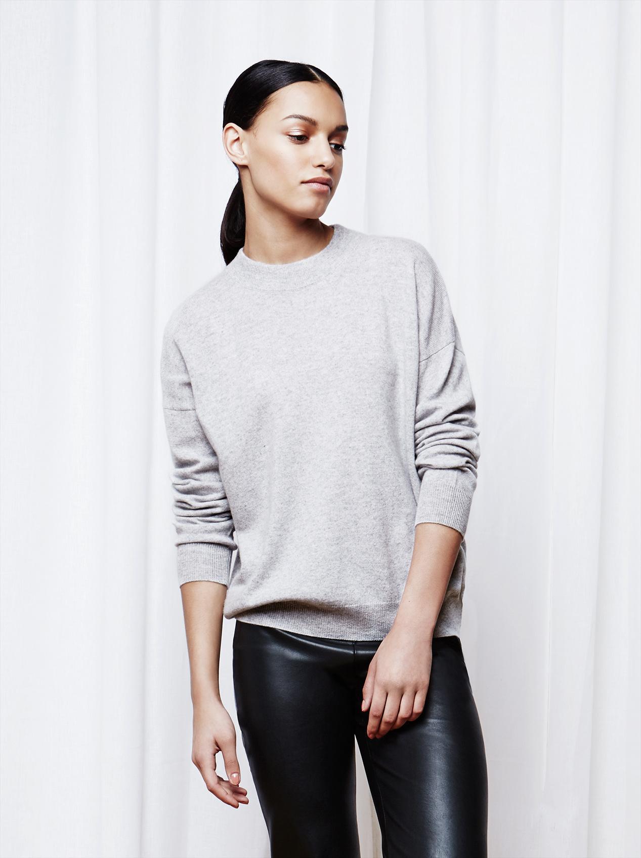 Soft Goat Women's Short Oversize Ljusgrå