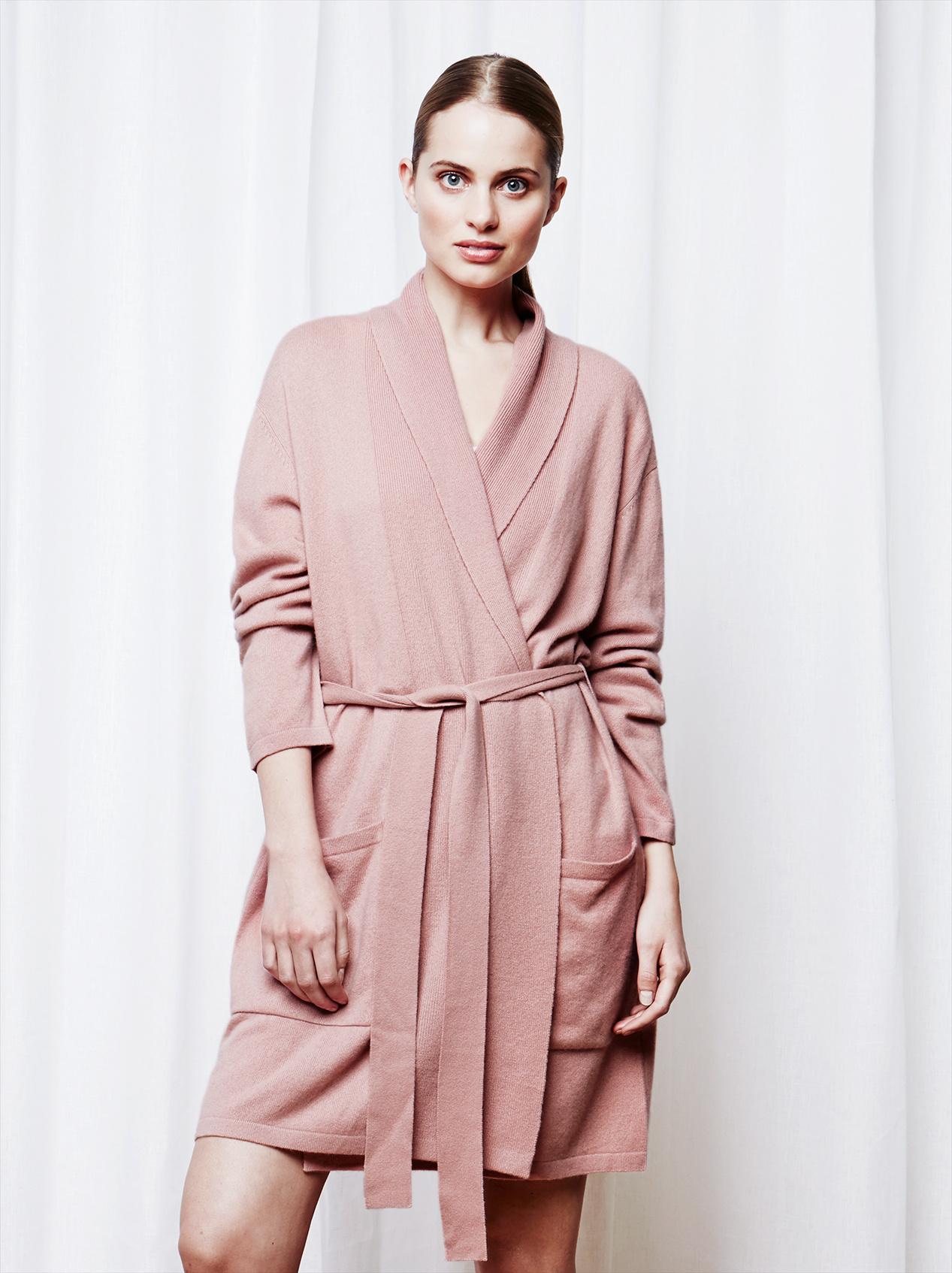 Soft Goat Women's Bathrobe Blush